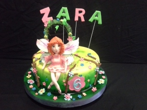 Fondant cake with airbrush color effect
